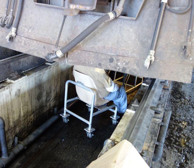 Rolling Mechanic Pit Seats